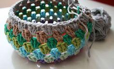 Easy crochet beanie tutorial