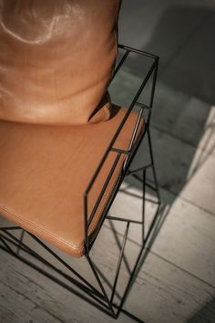 Metal easy chair CRAKLÉ | Easy chair - BAXTER