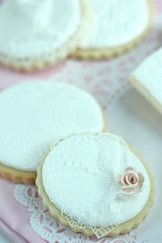 How to Make Simple Lace Cookies with SugarVeil   Sweetopia