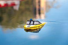 Look it's sinking ha ha ha cool boat