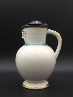 Wedgwood Doric jug. Ca. 1870 - 19the century white jug with Pewter lid.