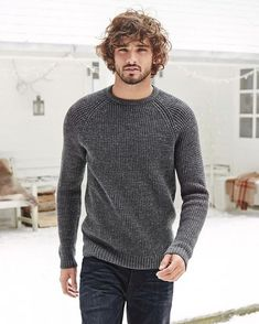 Marlon Teixeira for Next Marlon Teixeira, Mode Masculine, Hair And Beard Styles, Curly Hair Styles, Man Street Style, Curly Hair Men, Long Hair Man, Herren Outfit, Hommes Sexy
