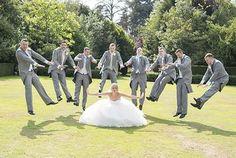 Sehe dir das Foto von JaneHoffmann mit dem Titel Total coole Idee für ein Hochzeits Gruppenfoto und andere inspirierende Bilder auf Spaaz.de an.