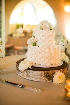 Stunning wedding cake from Jana's Creative Cakes, photos from Mike Larson, Estate Wedding Photographer   junebugweddings.com