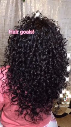 Curly Hair Styles Easy, Cute Curly Hairstyles, Big Curly Hair, Curly Hair Tips, Curly Hair Care, Baddie Hairstyles, Natural Hair Styles, Short Hair Styles, Curly Hair Products