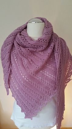 Ravelry: ~ Loch Mhòrair ~ pattern by Christina Reuter