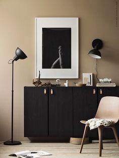 9 Helt cool IKEA-hacks til et børneværelse Ikea Ivar Cabinet, Armoire Ikea, Ikea Cabinets, Modern Cabinets, Ikea Living Room, Small Living Rooms, Home Living, Modern Living, Dining Room
