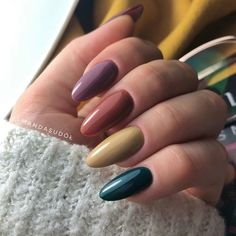 Pretty Spring Nail Designs Yellow Green Brown Polish Almond Brazil - New Ideas Autumn Nails, Fall Nail Art, Spring Nails, Nail Designs Spring, Toe Nail Designs, Green Nail Designs, Cute Nails, Pretty Nails, Green Nails