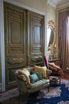 French Liaisons: French Interiors: Gorgeous...Love the old world feel to this room with it's massive doors