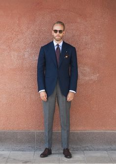 Combining colours and patterns: How to dress like Andreas Weinas – Permanent Style Older Mens Fashion, Suit Fashion, Business Casual Men, Men Casual, Tweed Men, Bespoke Suit, Smart Styles, Well Dressed Men, Suit And Tie