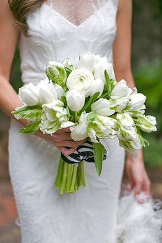 18 Most Popular Wedding Flowers In Bridal Bouquets ❤ See more: http://www.weddingforward.com/popular-wedding-flowers/ #weddings #bouquets
