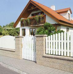 House Fence Design, Modern Fence Design, House Outside Design, Courtyard Design, Staircase Railing Design, Wall Railing, Mud House, Gate House, Boundary Walls