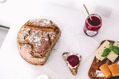 Bak grove superbrød i helgen - Vektklubb Omelette, Scones, Camembert Cheese, Berries, Sandwiches, Lunch, Bread, Homemade, Baking