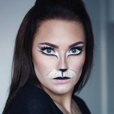 Halloween Look Cat Makeup Bunny Halloween Makeup, Cat Costume Makeup, Cat Face Makeup, Bunny Makeup, Alice Halloween, Face Paint Makeup, Halloween Looks, White Rabbit Makeup, Bunny Face Paint