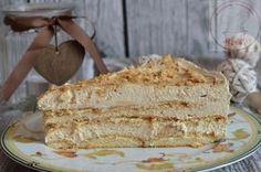To ciasto skradło serca wszystkich domowników i gości. Każdy kto go spróbował od razu wołał o kolejny kawałek. Pyszny krem o smaku kawy...