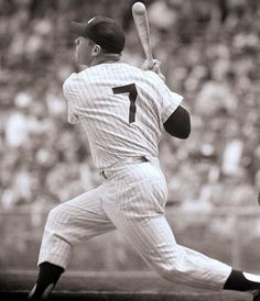 Mickey Mantle, New York Yankees hitting another one outta da park Baseball Star, Baseball Photos, Sports Baseball, Baseball Players, Baseball Tips, Baseball Wall, Baseball Classic, Sports Photos, Football
