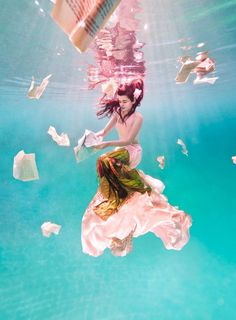 Underwater photography for Fashion by Ilse Moore