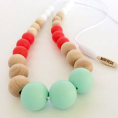 Style moderne collier de dentition / soins infirmiers Collier / perles silicone / nouvelle mère / baby shower cadeau / collier maman / menthe et corail / plage de style