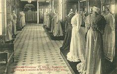 """Almacenes """"El Siglo"""" (1881-1932) Barcelona. Vestidos de señora, segundo piso. / Dresses for ladies in the second  floor of the """"El Siglo""""(1881-1932) store in Barcelona."""