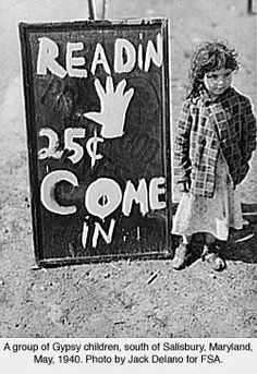 A group of Gypsy children on U. 13 five miles south of Salisbury, Maryland Photographer Jack Delano 1940 Photogrammar Gypsy Caravan, Gypsy Wagon, Gypsy Life, Gypsy Soul, Photo Vintage, Vintage Photos, Gypsy Fortune Teller, Tom Clark, Emo