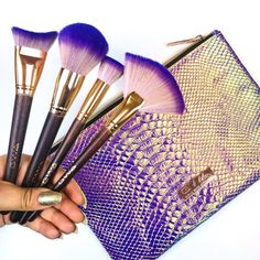 Fairytale Collection Whos spotted the super cute purple holographic bag? The Fairytale Collection 17 piece makeup brush set is available to purchase with or without the bag Holographic Makeup, Holographic Bag, Makeup Brush Bag, Makeup Brushes, Cute Makeup, Makeup Stuff, Makeup Products, Wrinkle Cream For Men, Makeup Guide