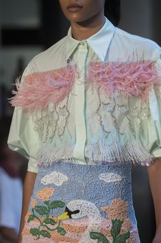Vivetta at Milan Fashion Week Spring 2019 - Details Runway Photos Source by sienanichole fashion spring 2019 Fashion Details, Diy Fashion, Runway Fashion, Fashion Show, Fashion Outfits, Fashion Design, Fashion Trends, Fashion Spring, Crazy Fashion
