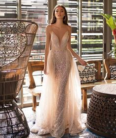 99 Gorgeous Haute Couture Wedding Dresses Ideas For Your Luxurious Wedding - Mermaid Wedding Dresses Wedding Dress Empire, Dream Wedding Dresses, Bridal Dresses, Prom Dresses, Couture Wedding Gowns, Haute Couture Dresses, Couture Bridal, Pretty Dresses, Beautiful Dresses