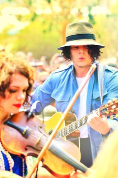 Happy 39th birthday to the one and only incredibly talented and beautiful Jack White.