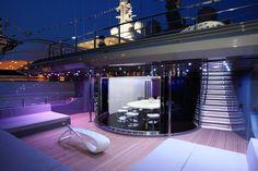 Mega yachts at sea, Wehustle TV