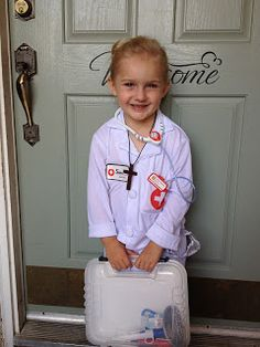 Gianna Molla costume All Saints Day. Schiestle I think you may like this :) Easy Costumes, Dress Up Costumes, Girl Costumes, Costume Ideas, Catholic Kids, Catholic Homeschooling, Catholic School, Saint Costume, Fall Harvest Party