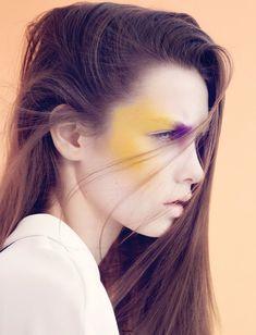 Google Image Result for http://www.eyeshadowlipstick.com/wp-content/uploads/2012/05/creative-makeup-japanese-6.jpg