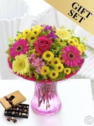 Flower Delivery Ireland and Dublin from Flowers.ie has the largest branch network of florists in Ireland. Send flowers with Flowers. Best Flower Delivery, Flower Delivery Service, Online Flower Delivery, Valentines Flowers, Mothers Day Flowers, Summer Flowers, Yellow Flowers, Dublin, Anniversary Flowers