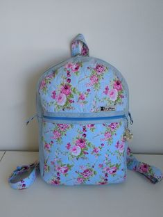 Mochila azul florida Florida, Vera Bradley Backpack, Backpacks, Handmade Products, Shabby Chic, Ideas, Backpack, Blue Nails
