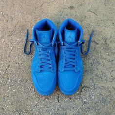 "Air Jordan 1 Retro ""Blue Suede""  Size Man - Price: 139 (Spain Envíos Gratis a Partir de 99) http://ift.tt/1iZuQ2v  #loversneakers#sneakerheads#sneakers#kicks#zapatillas#kicksonfire#kickstagram#sneakerfreaker#nicekicks#thesneakersbox #snkrfrkr#sneakercollector#shoeporn#igsneskercommunity#sneakernews#solecollector#wdywt#womft#sneakeraddict#kotd#smyfh#hypebeast #nike #jordan #airjordan #jordan1 #jordanbrand"