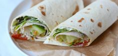 Lunch wrap tips - Lekker en Simpel Love Food, A Food, Lunch Recipes, Healthy Recipes, Healthy Cooking, Tortilla Wraps, Lunch To Go, Lunch Time, Taco
