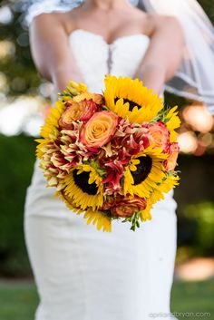 Sunflower bouquet | April and Bryan Photography