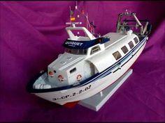 Maqueta de la embarcación QUIQUET