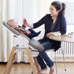 Bring baby to the family table! This modern high chair - the Steps Chair - is perfect for newborn but can transition from baby to toddler and well into childhood. Wooden Baby High Chair, Stokke High Chair, Stokke Steps, Modern High Chair, Office Chairs For Sale, Fire Pit Chairs, Baby Wish List, School Chairs, Cheap Chairs