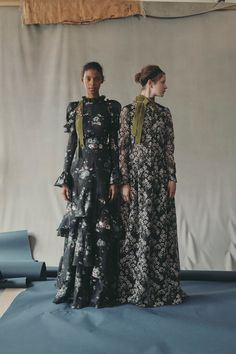 Erdem Resort 2019 Fashion Show Collection: See the complete Erdem Resort 2019 collection. Look 18
