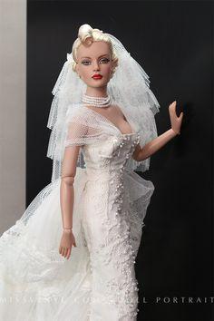 Collection Soie et Dentelle Modèle Blanc OOAK outfit Haute Couture by Creations COTHO, Photos by MissViny.com Doll Portrait