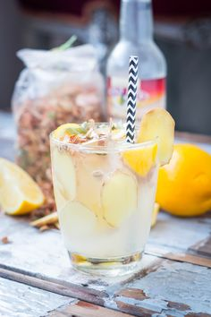 Ginger Fizz Cocktail // #healthy #mocktail #ginger