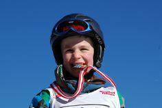 Jeder ist ein Sieger! Headset, Headphones, Ski, Kids, Headpieces, Headpieces, Hockey Helmet, Ear Phones, Ear Phones