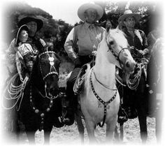 John+Wayne+and+Dollar+(Duke).jpg (393×349)
