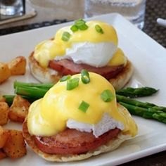 Perfect Sous Vide Eggs Benedict