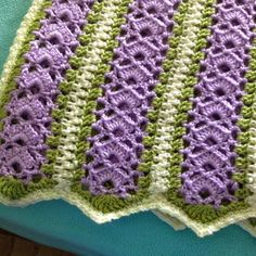 Mile-A-Minute Baby Afghan This crochet pattern / tutorial is available for free. Full post: Mile-A-Minute Baby Afghan Crochet Afghans, Baby Afghans, Baby Blanket Crochet, Crochet Stitches, Crochet Baby, Knit Crochet, Crochet Blankets, Baby Blankets, Crochet Crafts