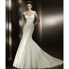 San Patrick - Cobalto: Lace and Tulle gown with lace shoulder straps. Used Wedding Dresses, Elegant Wedding Dress, Wedding Dress Styles, Bridal Dresses, Wedding Gowns, Tulle Wedding, Dream Wedding, Whimsical Wedding, Ivory Wedding