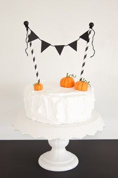 Pumpkin Bunting cake by CakeJournal #evitegatherings