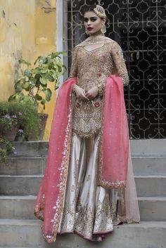 Amazing Pakistan Bridal Sharara Style With Tea Pink Dupatta And Vegas Gold Shirt Latest Bridal Dresses, Asian Wedding Dress, Pakistani Wedding Outfits, Pakistani Wedding Dresses, Pakistani Dress Design, Bridal Outfits, Indian Dresses, Eid Outfits, Fashion Outfits