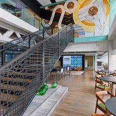 Our Chicago office features elements of the city throughout its #Workplace360 space, including a mural depicting the Chicago River. Employees participated in focus groups during the development of the space to make it functional for everyone. The space is LEED Gold certified and completely paperless, and employees can pick from sit/stand desks, breakout rooms and sitting areas to sit every day. #CCBOffice #CBRE #BuildOnAdvantage