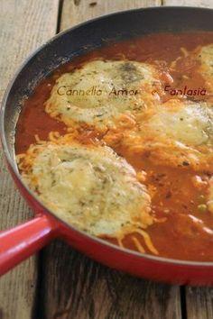Huevos a la siciliana Egg Recipes, Wine Recipes, Snack Recipes, Cooking Recipes, Healthy Recipes, Sicilian Recipes, Sicilian Food, Italian Dishes, Polenta